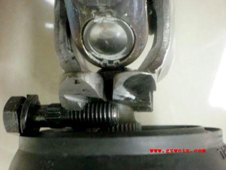 检修东风悦达起亚车系转向管柱异响